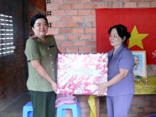 Nhiều hoạt động tình nghĩa nhân Ngày Phụ nữ Việt Nam