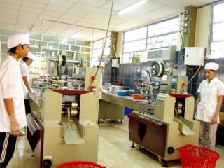 Công ty Vĩnh Tiến đổi mới công nghệ sản xuất kẹo dừa theo hệ thống tự động hóa