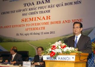Khắc phục hậu quả bom mìn vì cuộc sống nhân dân