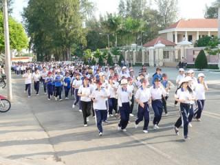 Khai diễn Giải Việt dã truyền thống Báo Đồng Khởi năm 2013