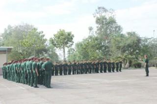 Xây dựng nền nếp chính quy, xây dựng đơn vị vững mạnh toàn diện trong Lực lượng vũ trang Bến Tre