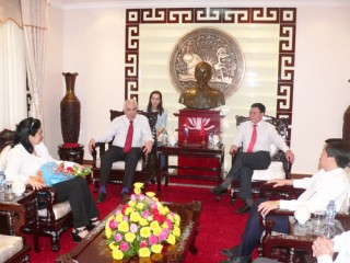 Tổng lãnh sự Cộng hòa Cuba thăm và chào tạm biệt lãnh đạo tỉnh Bến Tre