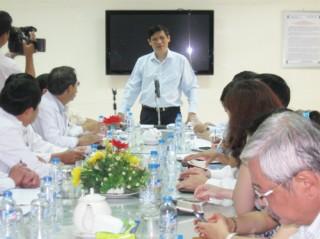 Thứ trưởng Bộ Y tế Nguyễn Thanh Long làm việc tại Bến Tre