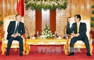 Thủ tướng Nguyễn Tấn Dũng tiếp cựu Thủ tướng Anh Tony Blair