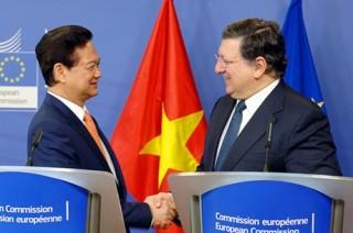 Thủ tướng hội đàm với Chủ tịch Ủy ban châu Âu