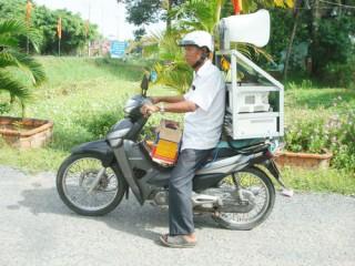 Tuyên truyền lưu động về an toàn giao thông