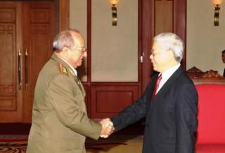 Tổng Bí thư tiếp Bộ trưởng Bộ Các lực lượng vũ trang cách mạng Cu-ba