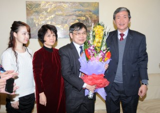 Đồng chí Đinh Thế Huynh thăm và chúc Tết các nhà khoa học, văn nghệ sỹ, nhà báo tiêu biểu