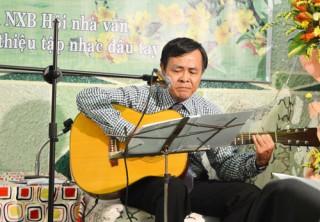 Thơ Nhạc Huỳnh Thông - nhịp thở tình yêu trao đời