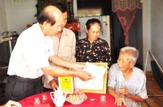 Lãnh đạo tỉnh thăm và chúc thọ người cao tuổi