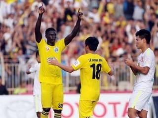 Chơi lấn sân, FLC Thanh Hóa vẫn bại trận trước chủ nhà ĐTLA