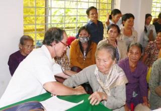 Huy động nguồn lực cho hoạt động chăm sóc, phát huy vai trò người cao tuổi