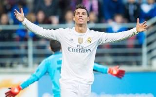 Ronaldo lập kỷ lục khủng trong ngày Real thắng Eibar