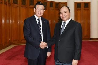Thủ tướng Nguyễn Xuân Phúc tiếp Chủ tịch Tập đoàn Kumho Asiana Hàn Quốc