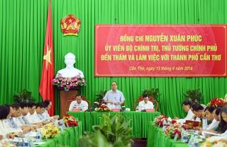 Thủ tướng Nguyễn Xuân Phúc làm việc với lãnh đạo chủ chốt của Thành phố Cần Thơ