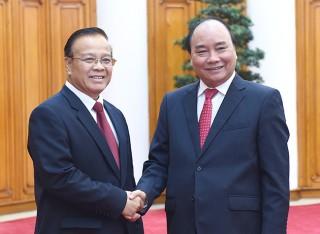 Thủ tướng Nguyễn Xuân Phúc tiếp Phó Thủ tướng Lào