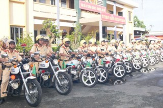 Ra quân mở đợt cao điểm đảm bảo trật tự an toàn giao thông