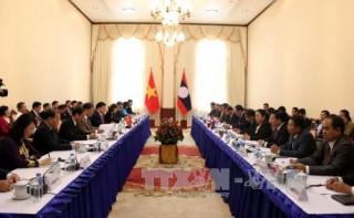 Phó Thủ tướng Trịnh Đình Dũng thăm và làm việc tại Lào