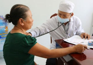 600 người dân được khám bệnh và phát thuốc miễn phí