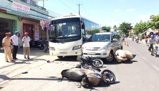 Ô tô tông liên tiếp vào 3 xe, 1 người tử vong