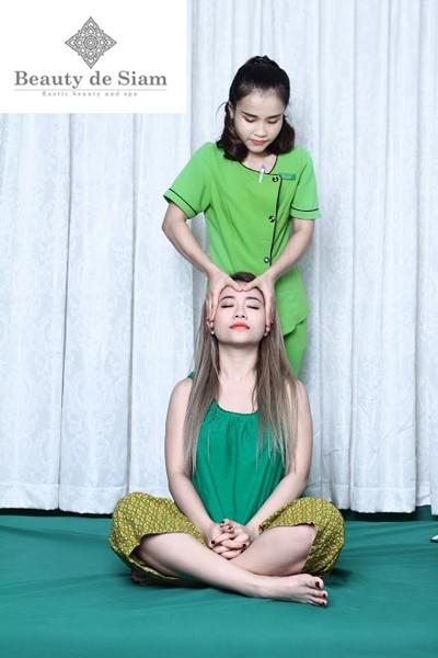 Xua tan mệt mỏi, tràn đầy sức khỏe với massage Thái cổ truyền