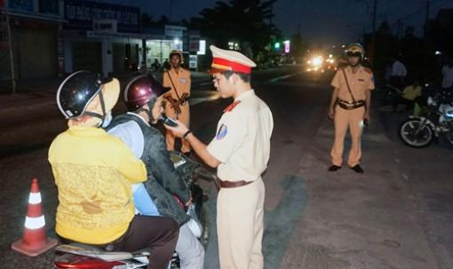 Phấn đấu giữ vững trật tự an toàn giao thông