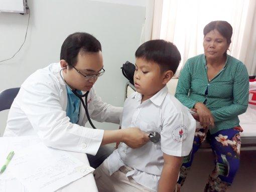 Tổ chức khám lọc bệnh tim cho 138 người