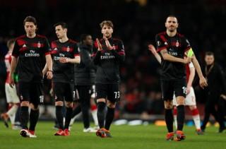Dortmund và Milan bị loại khỏi Europa League