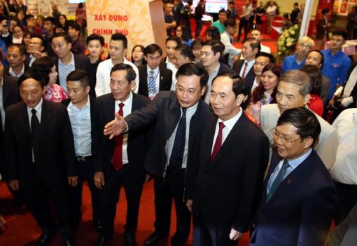 Chủ tịch nước Trần Đại Quang dự lễ bế mạc Hội báo toàn quốc năm 2018