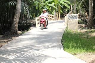 Tân Thanh làm tốt công tác vận động xây dựng lộ nông thôn