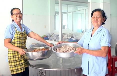 Giồng Trôm: Tập trung công tác đảm bảo vệ sinh an toàn thực phẩm
