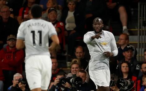 Thắng dễ Bournemouth, M.U hơn Liverpool 4 điểm