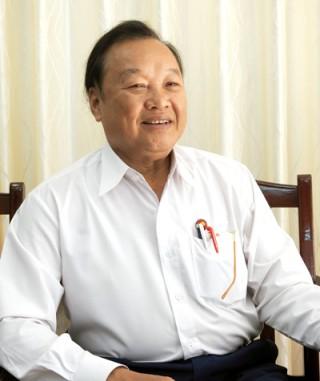 Nghệ sĩ ưu tú Văn Tân - 44 năm vào vai Bác Hồ