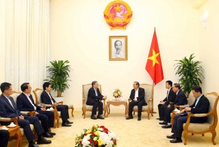 Phó thủ tướng Trương Hòa Bình tiếp Thứ trưởng Bộ Nội vụ Singapore