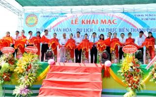 Khai mạc Tuần lễ Văn hóa - Du lịch - Ẩm thực biển Thạnh Phú lần I năm 2018