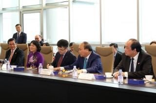 Thủ tướng thăm hệ thống logistics hàng đầu của Singapore