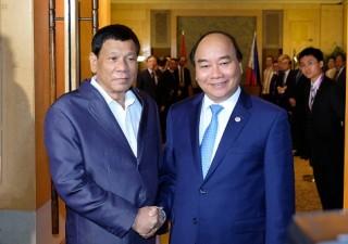 Thủ tướng Nguyễn Xuân Phúc tiếp xúc song phương Tổng thống Philippines