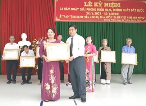 """Giồng Trôm: Thêm 10 mẹ được truy tặng danh hiệu """"Bà mẹ Việt Nam anh hùng"""""""