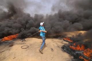 Quân đội Israel nổ súng ở Dải Gaza, gần 200 người bị thương