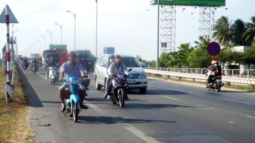Không xảy ra tai nạn và ùn tắc giao thông trong ngày nghỉ lễ đầu tiên