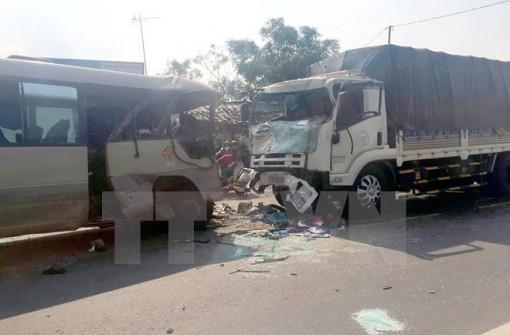 Cả nước có 14 người chết vì tai nạn giao thông trong ngày 29-4-2018