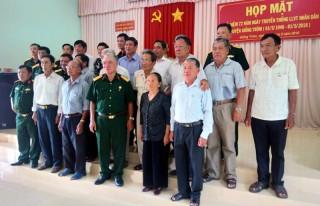 Giồng Trôm: Họp mặt kỷ niệm 72 năm Ngày thành lập lực lượng vũ trang huyện