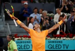 Nadal phá kỉ lục số ván thắng liên tục của McEnroe
