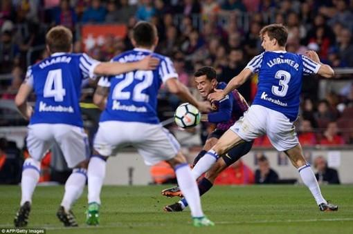 Coutinho lập siêu phẩm, Barca thắng Sociedad trong ngày hạ màn La Liga