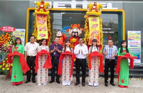 Viettel khai trương cửa hàng tại huyện Châu Thành