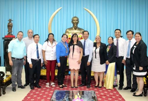 Trung ương Đoàn Thanh niên Cộng sản Cuba thăm và làm việc tại tỉnh