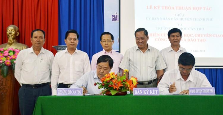 Hội thảo giải pháp tăng tốc phát triển kinh tế - xã hội huyện Thạnh Phú