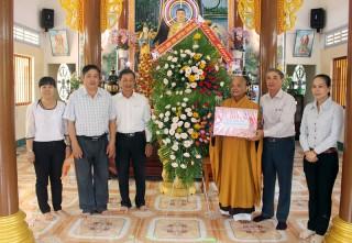 Đoàn công tác của tỉnh thăm, chúc mừng Lễ Phật đản năm 2018