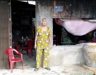 Người nghèo neo đơn cần sự giúp đỡ