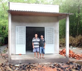Thi công hoàn thành 2/6 căn nhà tình thương do Báo Đồng Khởi phối hợp với Hội Từ thiện Hạt Phù Sa hỗ trợ